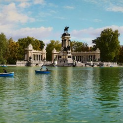 Walking tour Madrid: Retiro Park